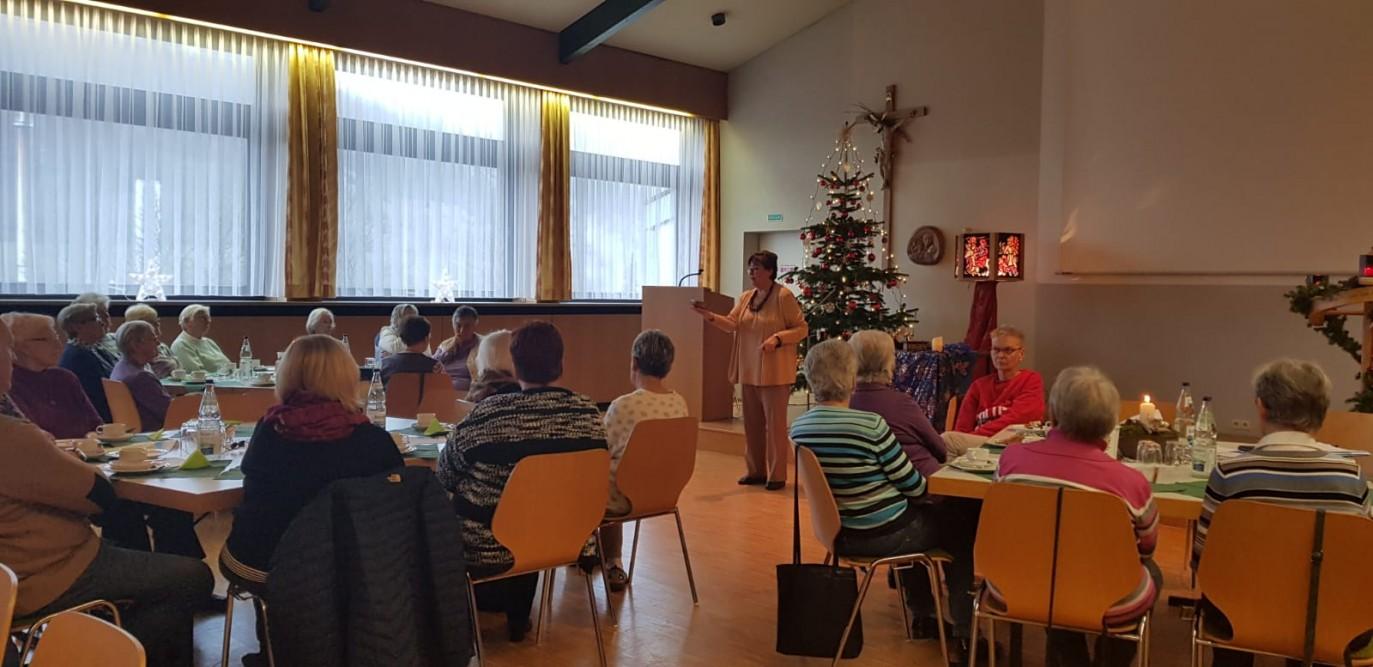 Cafe der generationen se haertsfeld kochertal - Hommel kuchen und mobelmanufaktur ...
